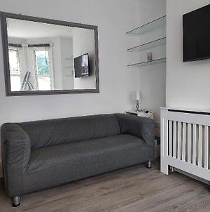 Entire Lovely Two Bedroom Flat In Southfields Sw18 photos Exterior