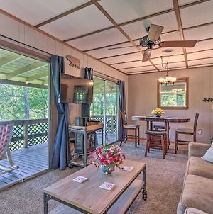 Peaceful Pigeon Forge Cabin With Fire Pit! photos Exterior
