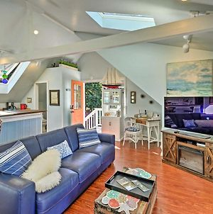 Whimsical Studio With Balcony And Harbor Views! photos Exterior