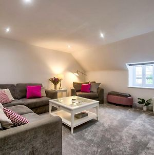 Guestready - Stylish Modern 2Br Flat For 4 - Free Parking photos Exterior