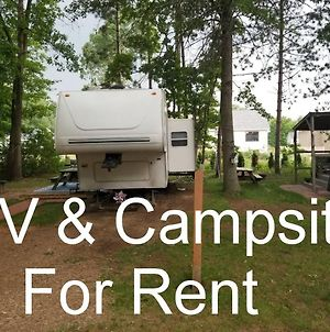 Rv And Campsite For Rent-2 Bedroom 1-Queen And Triple Bunk House 5Th Wheel Cougar photos Exterior
