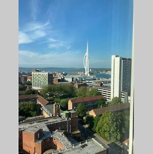 Amazing Views From One Bed Apartment In Portsmouth photos Exterior