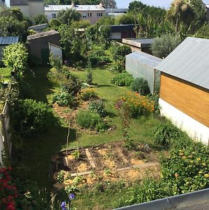 Tiny House In Secured Garden In Lorient photos Exterior