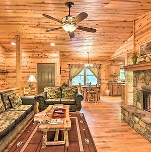 The Apple Dumpling Cabin Pool Table, Grill photos Exterior
