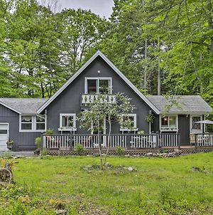 Chic, Pet-Friendly Cottage With Deck And Fire Pit photos Exterior