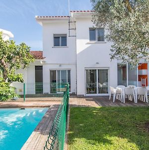Lovely Villa With 3 Bedrooms And Swimming Pool photos Exterior