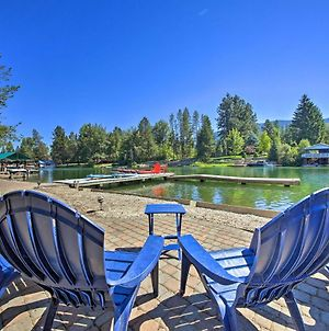 Expansive Waterfront Escape With Kayaks And Sups! photos Exterior