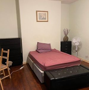 Large Double Room Plus Sofabed 2 To 4 People Great Location photos Exterior
