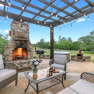 New! Luxury Home With Hot Tub, Fire Pit & Hill Country Views photos Exterior