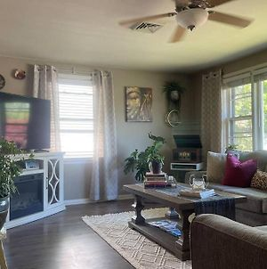 Cozy Lil Boho Hideaway In The Heart Of Peoria! photos Exterior