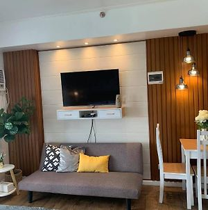 Accessible Hotel Like Studio Very Near The Airport, 729 photos Exterior