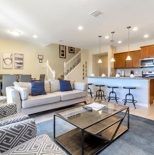 Brand New 5-Bed, 4-Bath Townhome With Private Pool, Just Minutes To Disney photos Exterior