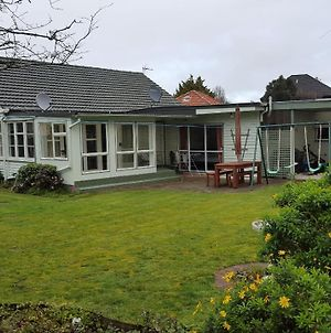 Hidden Gem And Entire Bungalow In Central Hutt photos Exterior