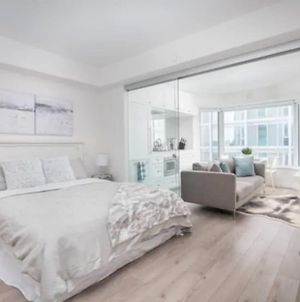 Stylish And Cozy 1Br Condo In Yorkville photos Exterior