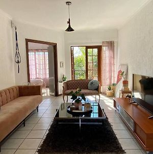 Beautiful Cozy Apartment In The Heart Of Fourways photos Exterior