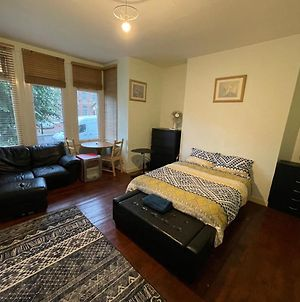 Lovely Large Flat Double Room Great Location photos Exterior