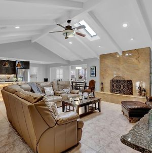 New Stunning Home With Firepit And Grill photos Exterior