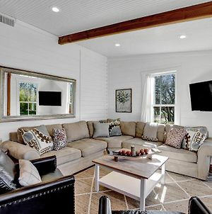 New Charming Home Near Main With Grill And Firepit photos Exterior