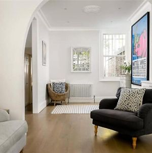 Large And Modern 3 Bedroom Family Home In Earlsfield photos Exterior