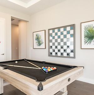 Upscale 6 Bedroom Residence With Pool & Foosball Table 996 Jn photos Exterior