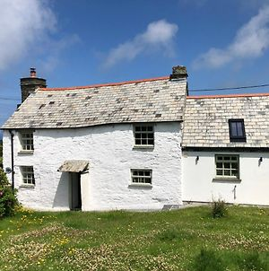 Picture Perfect Cottage In Rural Tintagel photos Exterior
