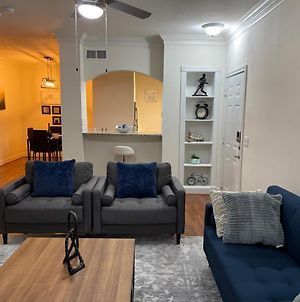 Cozy Apartment At The Heart Of H-Town. Self Check-In photos Exterior