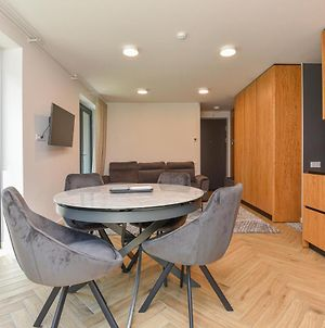 Luxury 3-Bedroom Apartments In Pervalka For 4-6 Persons photos Exterior
