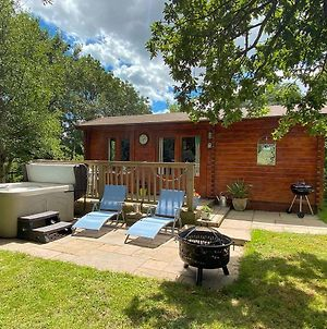 The Cabin With Hot Tub photos Exterior