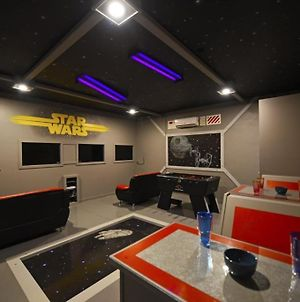 Star Wars Fans Wanted- Themed Home 7 Bed Home! Home photos Exterior