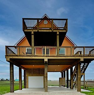 Brand-New Lakefront Home - Walk 5 Minutes To Beach Home photos Exterior