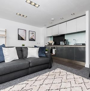 Scenic Dock View Apartment In Central Liverpool photos Exterior