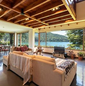 Beautiful Lakefront House With Amazing Views photos Exterior