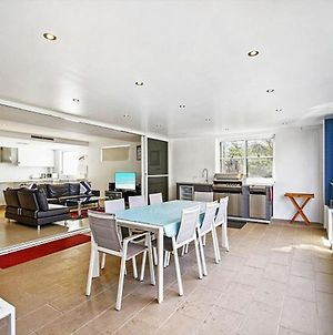Large Outdoor Entertaining With Outdoor Kitchen And A 2 Minute Walk To Huskisson Beach photos Exterior