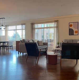 Discovery Bay Resort By Kelowna Resort Acc. - 80+ Suites Available photos Exterior
