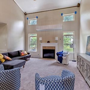 Incredibly Spacious Carmel Home With Fully Equipped Kitchen - 4700 Sq Ft! Sleeps 15! Pet Friendly! Home photos Exterior