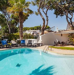 Villa In Vilamoura Sleeps 10 Includes Swimming Pool Air Con And Wifi 3 photos Exterior