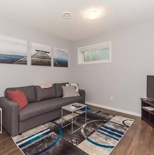 Suite Home Near West Edmonton With Garage And Fenced Yard photos Exterior