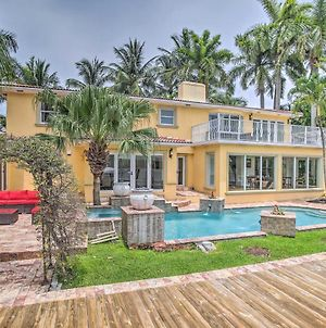 Sunny Waterfront Home In Upscale Neighborhood photos Exterior