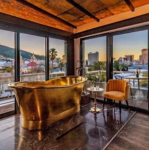 Luxury Penthouse With Exceptional Views photos Exterior