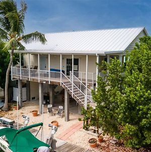 Keys Vac-Cay 4 Bedroom 3 Bath With Room For A 25 Ft Boat Max Off Of Boot Key Harbor photos Exterior