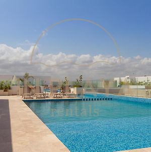 2Br In Number 1 Location Condo Ipana 3 Rooftop Pools Gym And Rooftop Bar With Ocean View photos Exterior