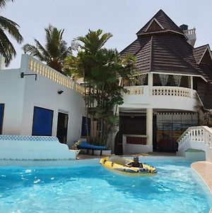Room In Guest Room - Kivuliii Villa Cottage We Are Located Opposite Lantana Gaul Hotel photos Exterior