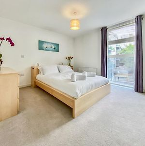 Pass The Keys Bright Spacious Modern 3Bedroom In Great Location - Sleeps 6 photos Exterior