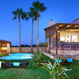 Villa Miloniana Private Pool, Jacuzzi And Gym photos Exterior