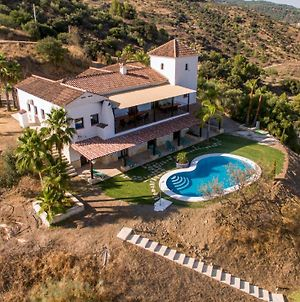 Mansion 7 Bedrooms 6 Bathrooms With Private Pool & Privacy Of 5 Ha Pure Nature photos Exterior