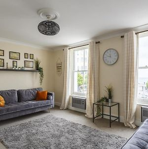 Harbour View - Stunning Margate Seafront Home photos Exterior