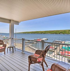 Lakefront Apt With Dock Steps To Dine And Swim! photos Exterior
