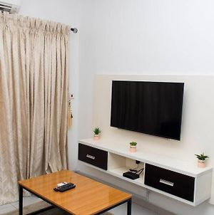 Well Furnished Modern Studio With Wifi photos Exterior