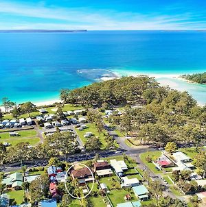 Fantastic Huskisson Location And Affordable photos Exterior