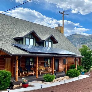 Large Cabin - Epic Views & Private Playground Set Home photos Exterior